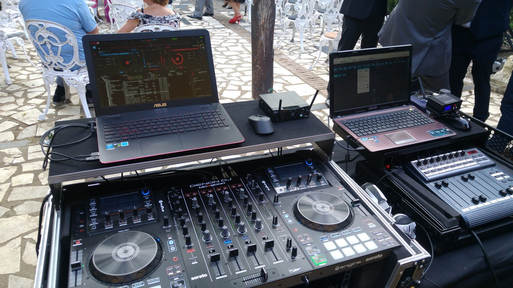 MCX8000 + Virtual DJ. Montaje fiesta Puertosound